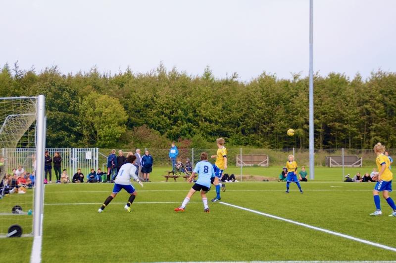 Skolefodbold